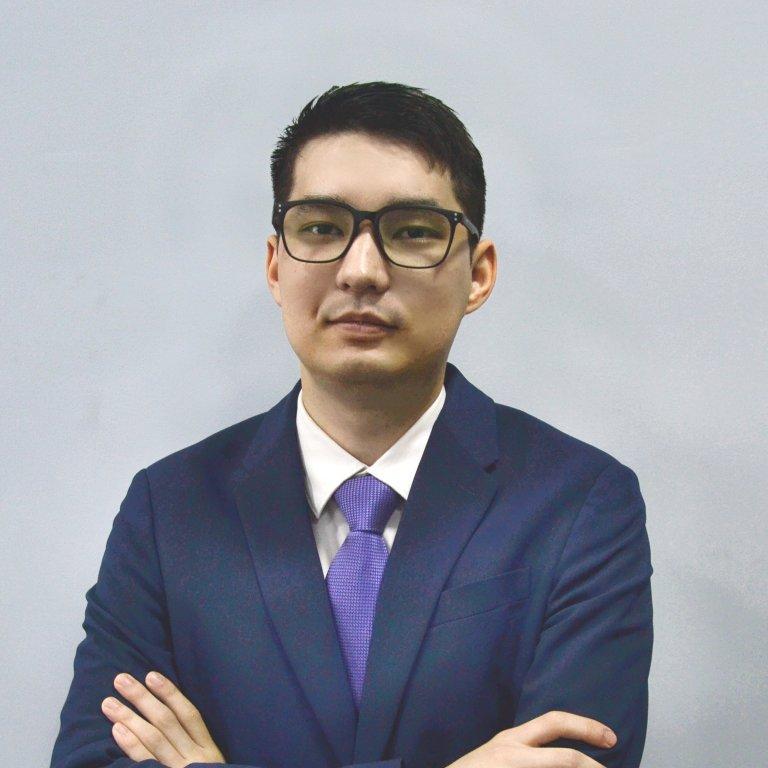 Алишер - Иммиграционный консультант